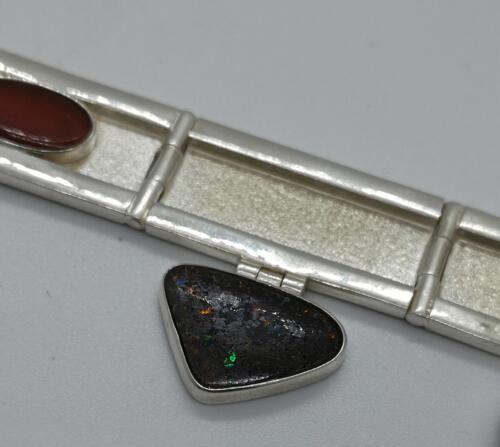 """Sinfonia 2"" karneol, pyrit, boulder opal, jade. 4800:- SEK"