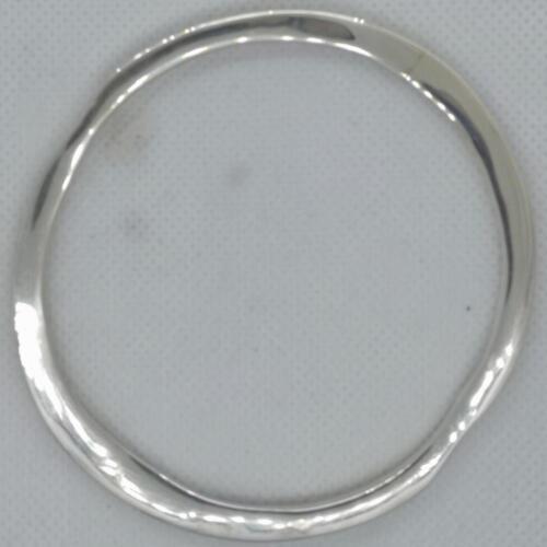 """""""Tungt är fint"""" Smidat armband, silver. 2000:-SEK"""
