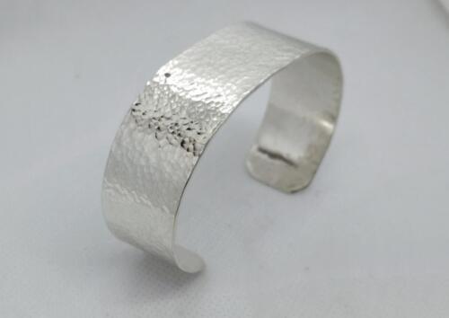 """Hamrat"" armband, silver. 950:-SEK"